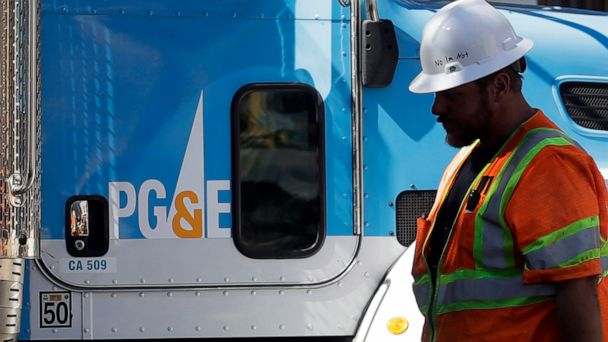 PG&E reaches $11B deal with California wildfire insurers