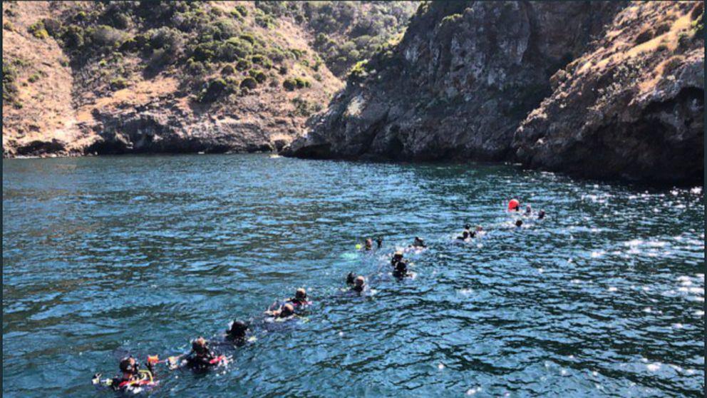 Raue See aussetzen, Suche für die letzten Opfer des Bootes Feuer