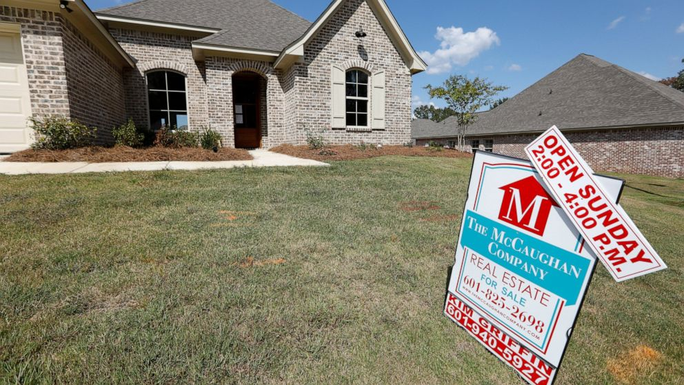 US mortgage rates fall; 30-year at all-time low of 3.13% thumbnail