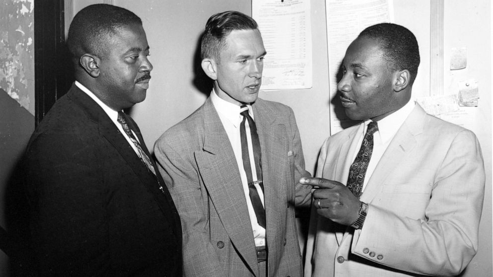 White minister who supported Montgomery bus boycott dies