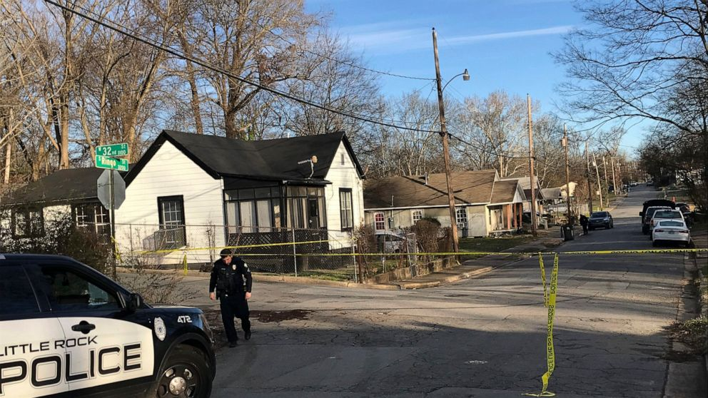 2 killed, toddler injured in shooting at Little Rock home