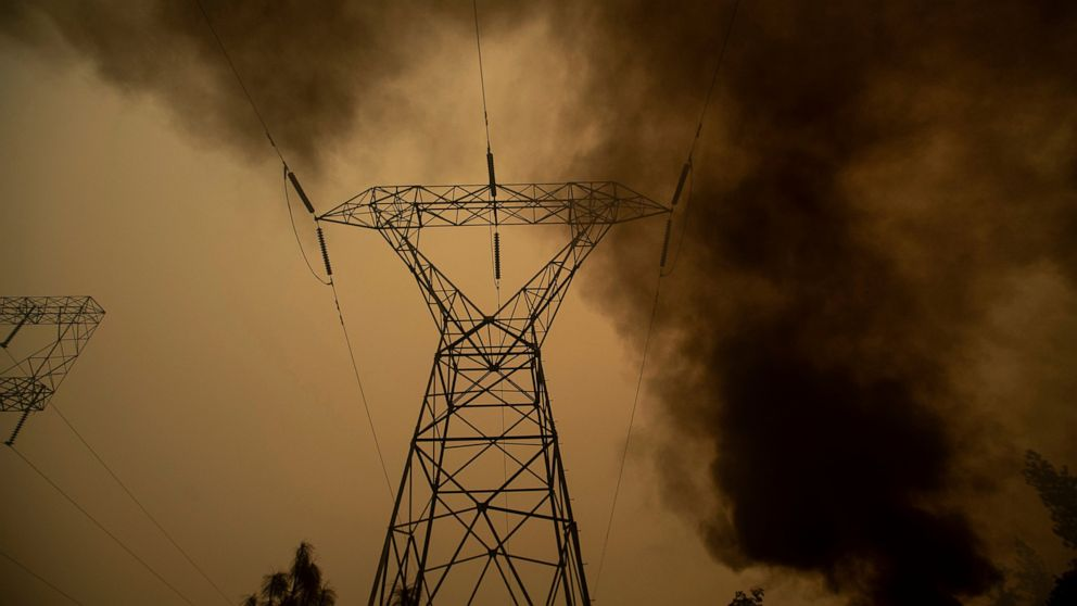 California bill would make utilities pay some blackout costs thumbnail