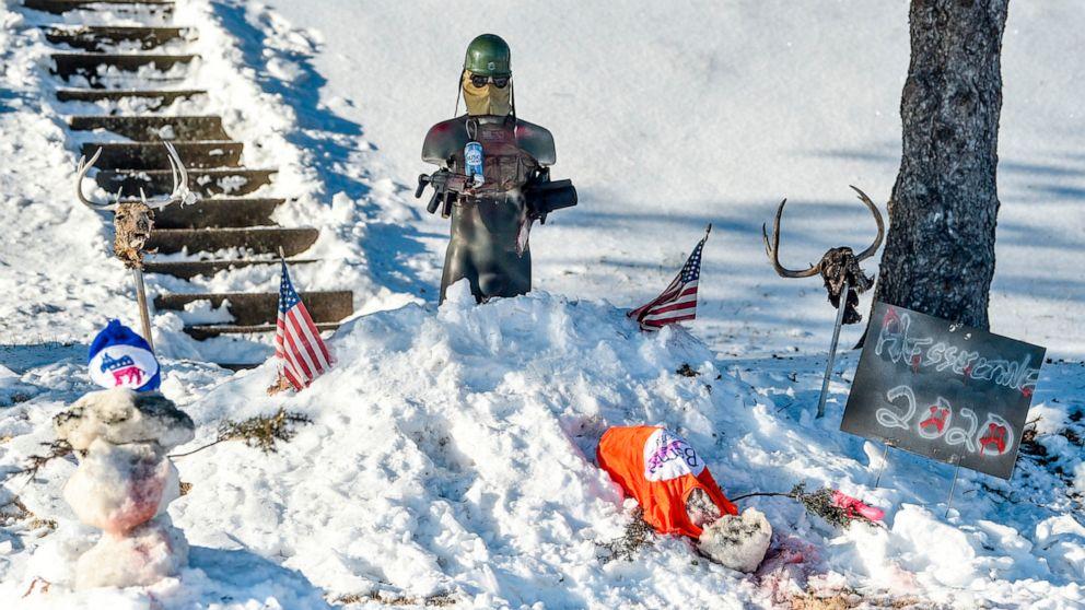 Davenport leaders condemn snow display targeting Democrats