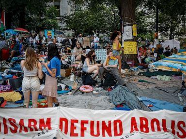 NYC mayor seeks $1 billion police cut amid City Hall protest