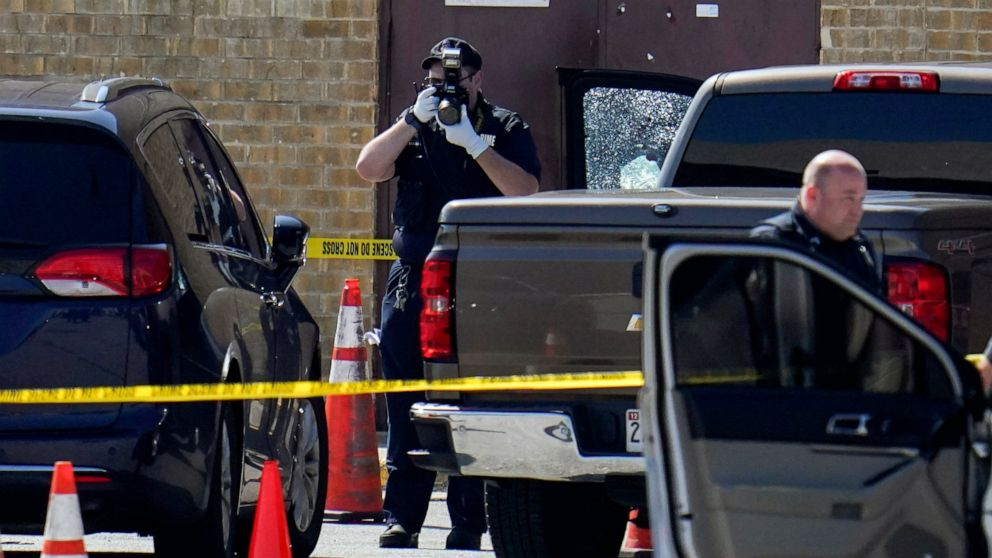 Two Baltimore Police Officers Shot Outside Shopping Mall While Serving Warrant