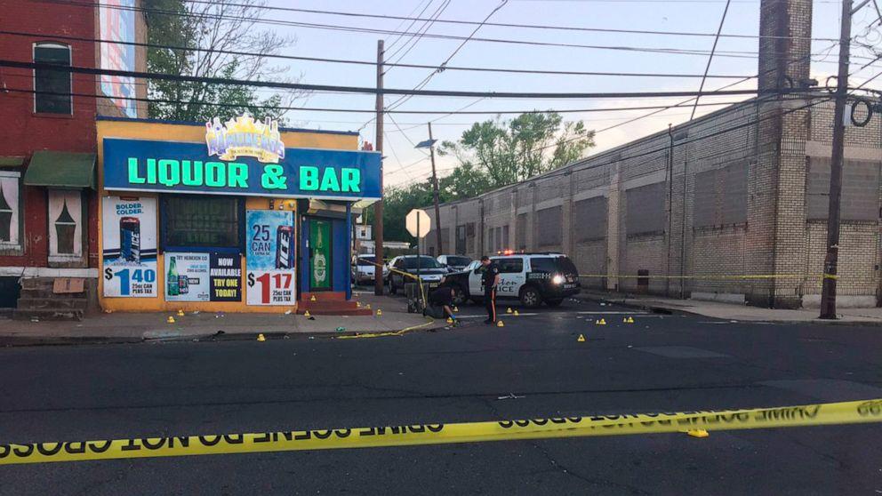 10 wounded as gunmen open fire outside New Jersey bar