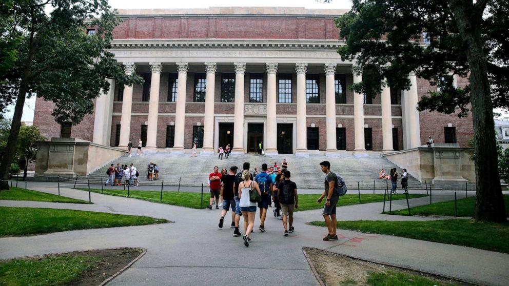Harvard invitations freshmen to campus, however lessons keep on-line thumbnail