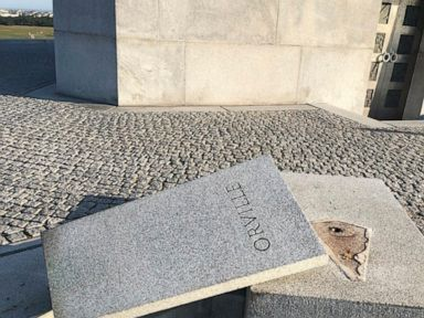 Orville Wright bust stolen from North Carolina monument