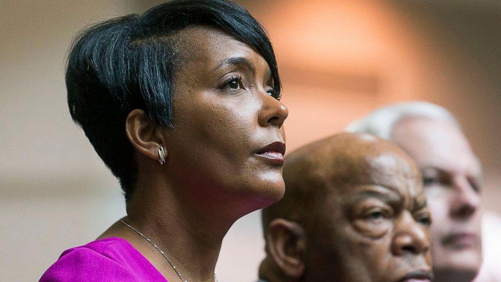 Some Spelman students object to Atlanta's black female mayor