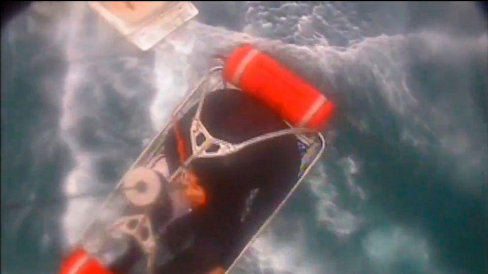 Hiu dilaporkan gigitan surfer dari Selatan pantai California