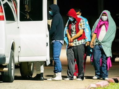 Nearly 30 found in Texas smuggling operation, 1 man arrested