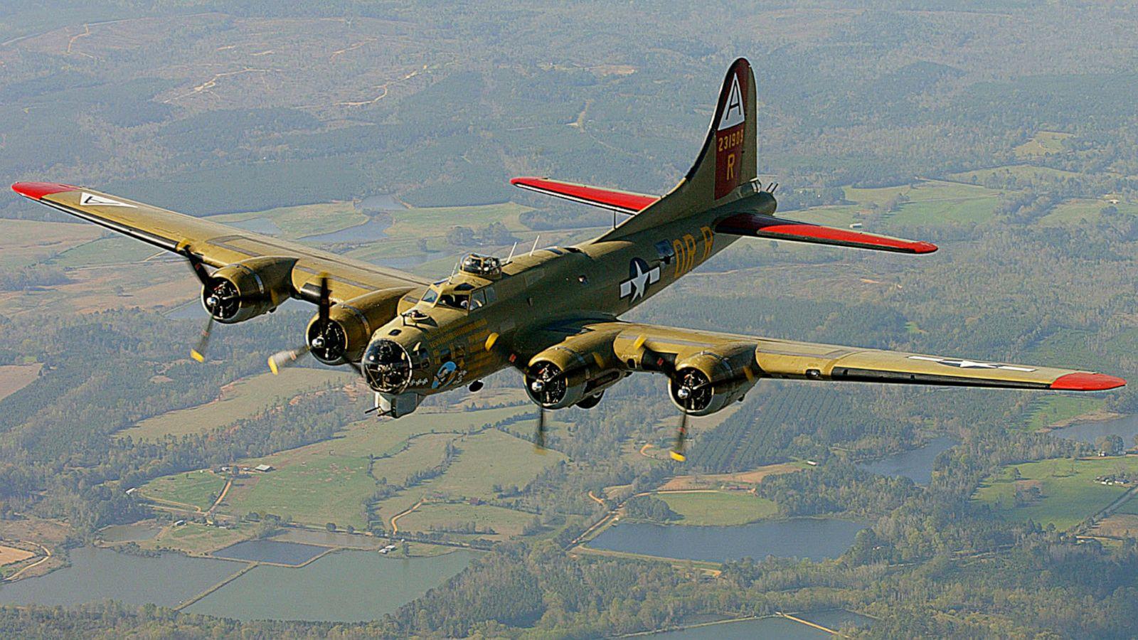 B 17 Crash Raises Questions About Vintage Plane Safety Abc News