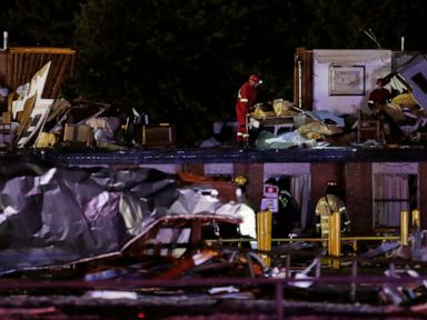 Tornado kills 2 people and injures 29 others in Oklahoma
