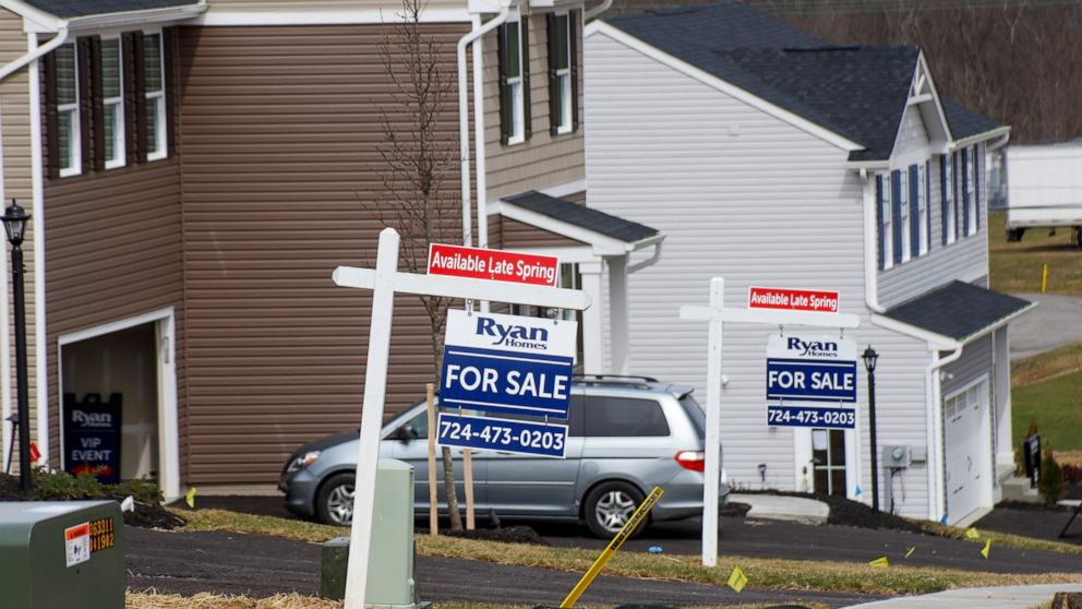 Existing home sale plunge 9.7% in 3rd straight monthly drop thumbnail
