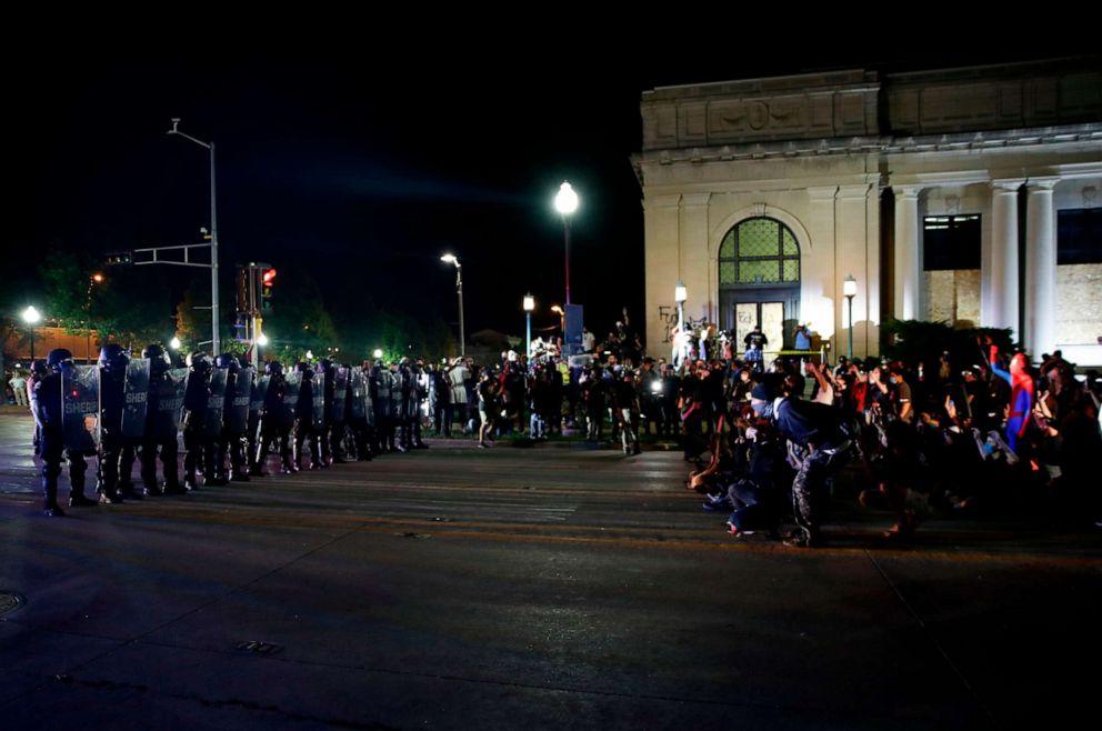 Трамп направляет вВисконсин национальную гвардию для подавления беспорядков
