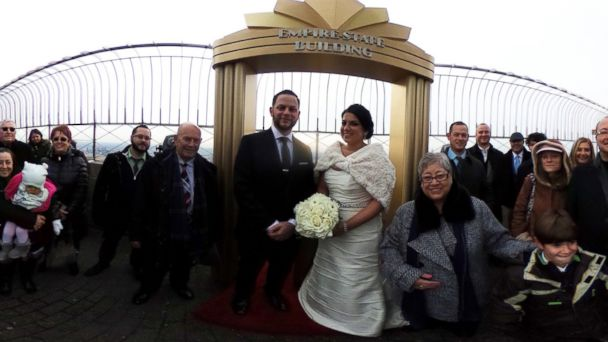 Meet Some Of The Couples Who Were Married On Valentine S Day At The Empire State Building Abc News