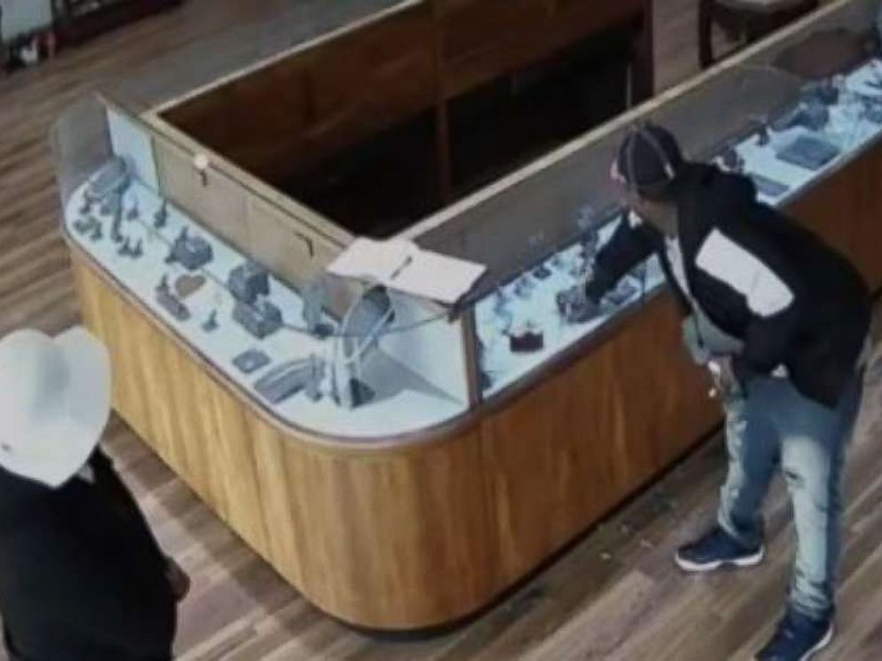 Two Robbers Made Off With 2 Million In Jewelry From A Sugar Land Texas