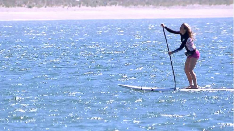 Stand Up Paddleboarding Suddenly Goes >> How To Safely Enjoy Paddleboarding This Summer Abc News
