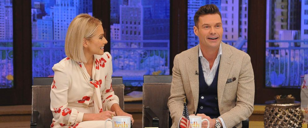"PHOTO: Kelly Ripa introduces Ryan Seacrest as the permanent co-host joining her on ""LIVE with Kelly & Ryan,"" on ABC, May 1, 2017."