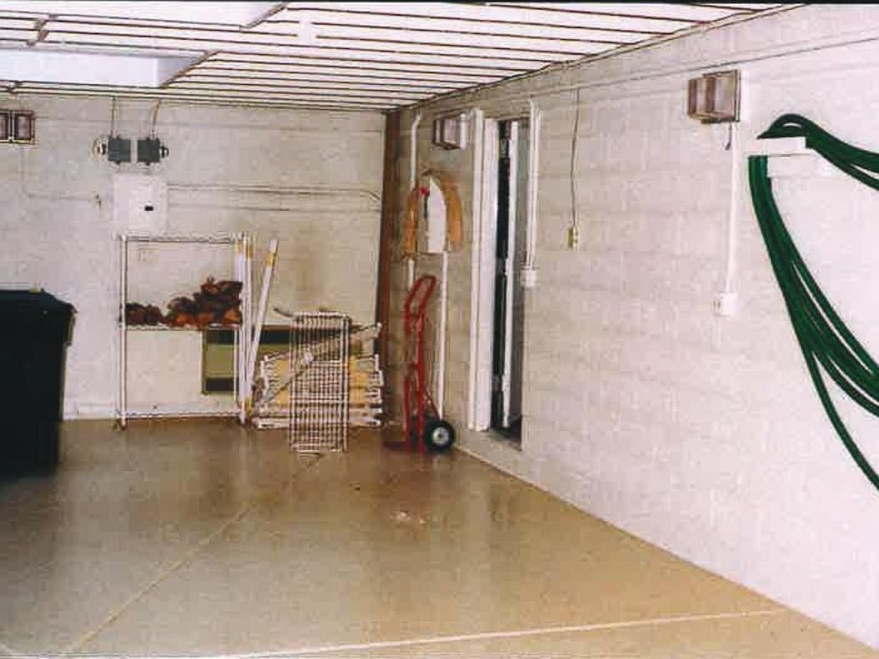 Another shot of Lee Miglins garage where he was brutally murdered in 1997.