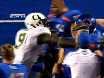 VIDEO: LeGarrette Blount punches Boise States Byron Hout after the game.