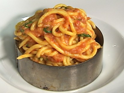 VIDEO: Scarpetta chef Scott Conant delivers on traditional pasta with sauce.