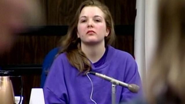 VIDEO: Tylar Witt, 16, says her boyfriend Steven Colver, 21, stabbed her mom in 2009.