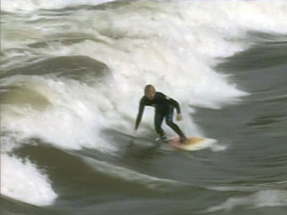 VIDEO: Surfer catch waves on the Colorado River.