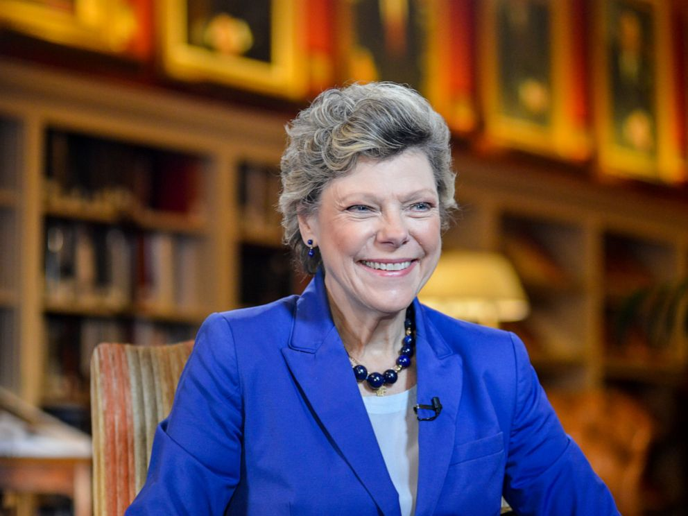 PHOTO: Cokie Roberts conducts and interview at the University Club in Washington, Oct. 29, 2015.