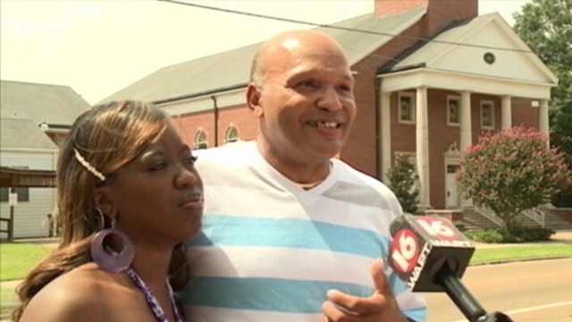 PHOTO: TeAndrea and Charles Wilson were denied a wedding at Crystal Springs church in Mississippi.