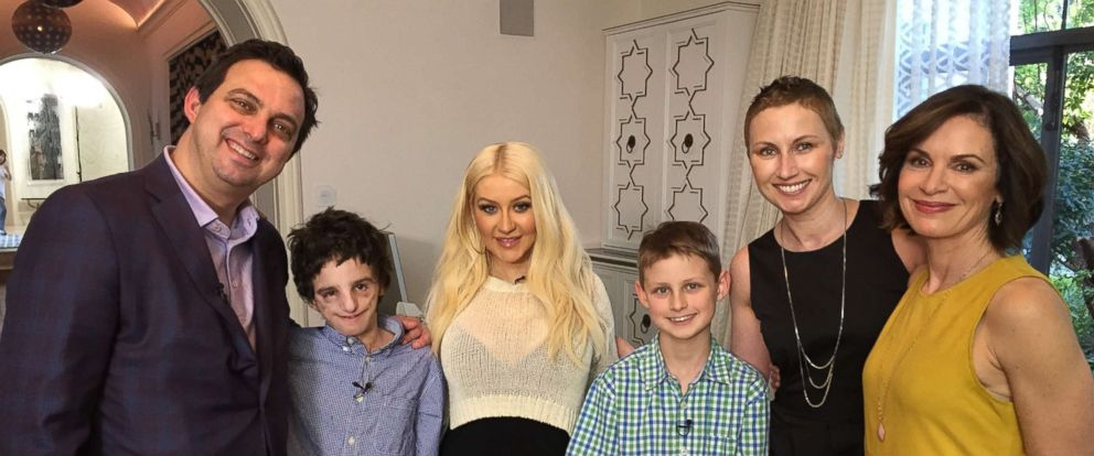 "ABC News Elizabeth Vargas (far right) is seen here with the Newman family and Christina Aguilera (center) for ""20/20."""