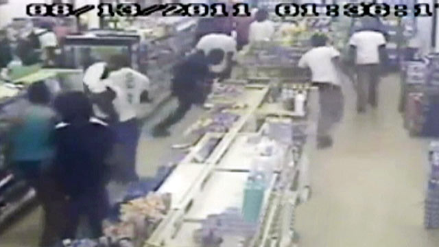 PHOTO: A flash mob invaded a convenience store in Germantown, Md. on Aug. 16, 2011.