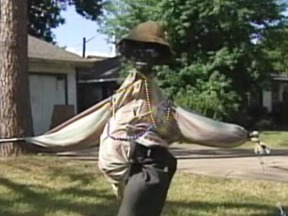 VIDEO: A Houston home features racially insensitive yard decorations.