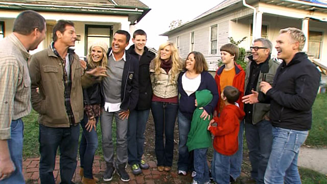 """PHOTO:""""Extreme Makeover: Home Edition"""" and """"Good Morning America"""" surprise the Howard family with news that theyll get a new home."""