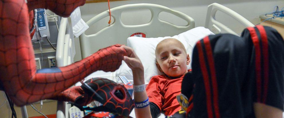 PHOTO: Jimmy, 12, meeting his favorite superhero, Spiderman at Childrens National.