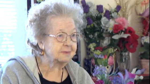 PHOTO: Elsie Smith, a 91-year-old widow from Arlington, Wash. is selling all of her belongings so she can pay for the funeral of her late husband.