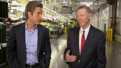 PHOTO: In an exclusive interview with ABC's David Muir, Ford CEO Alan Mulally explained how his company plans to hire 12,000 new workers.