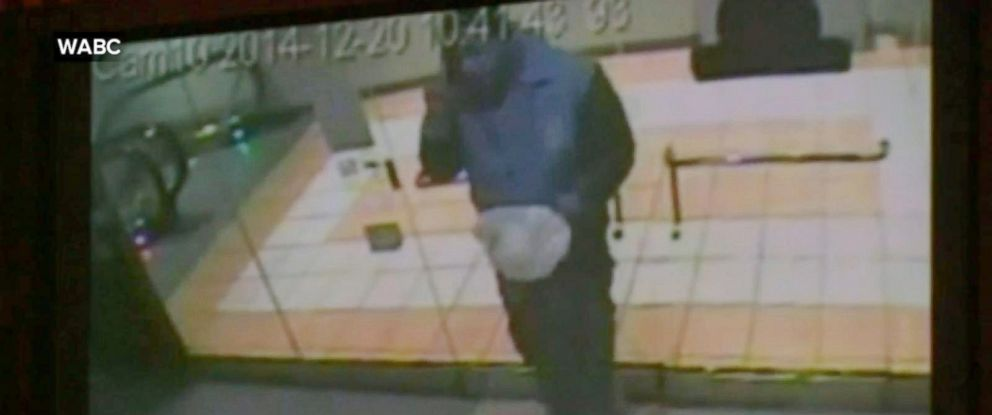 PHOTO: Police released new surveillance footage of suspect Ismaaiyl Brinsley at the mall attached to the Atlantic Street subway station in Brooklyn.