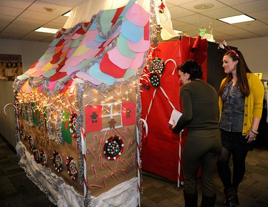 20/20's Holiday Decorating Contest Picture | 20/20's ...