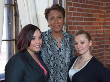 PHOTO: ABC News Robin Roberts conducts the first broadcast interview with Cleveland kidnapping survivors, Amanda Berry and Gina DeJesus.