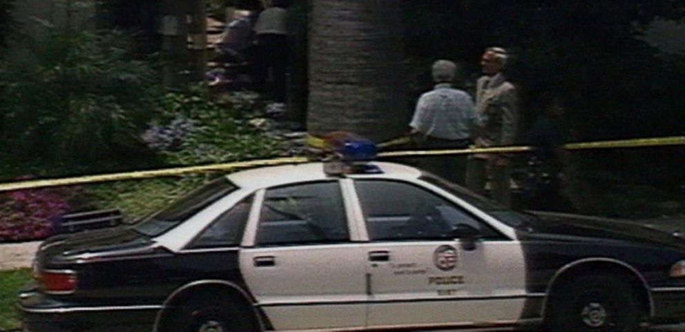 VIDEO: Both bodies were found outside of Nicole Brown Simpsons Brentwood residence.