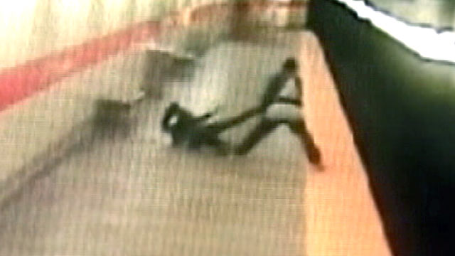 PHOTO:Philadelphia police said they have arrested the man caught on surveillance video who attacked and dragged a woman across a train station platform before throwing her into the tracks.