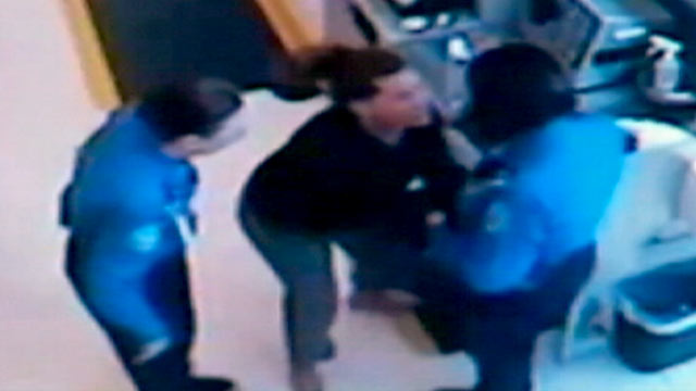 PHOTO: A Florida woman claims she grabbed a TSA agent after another agent touched her.