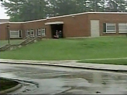 Picture of Carroll Middle School.