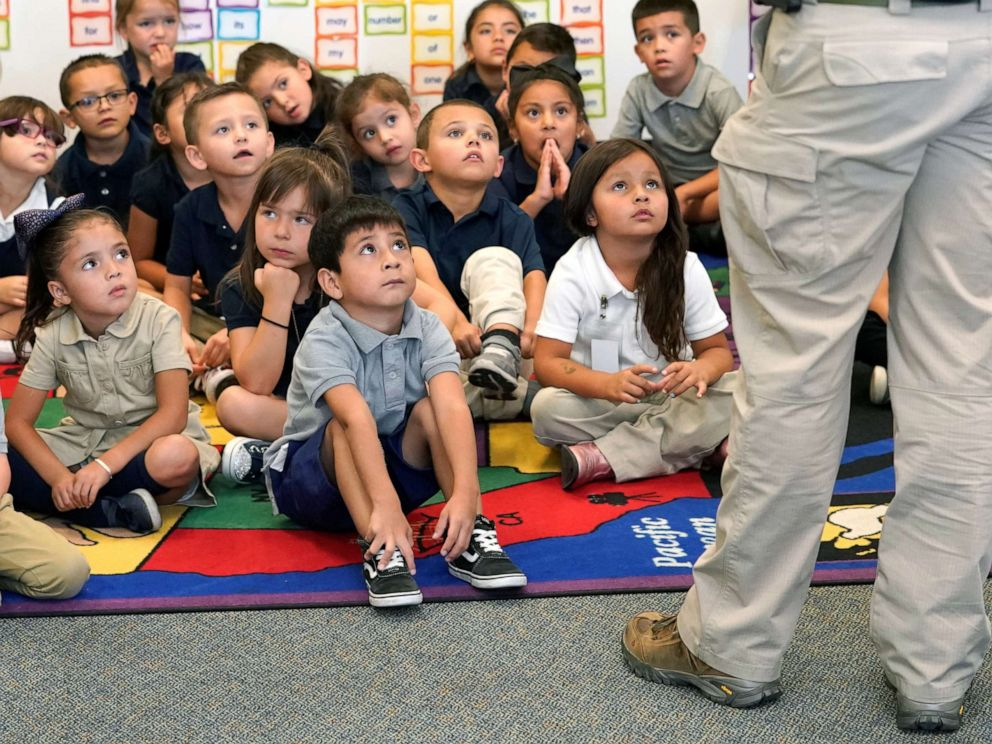 PHOTO: Joe Emery, TAC*ONE trainer and former Las Vegas police department sergeant, speaks to kindergarten students at Pinnacle Charter School during TAC*ONE training for an active shooter situation in a school in Thornton, Colorado, Aug. 29, 2019.