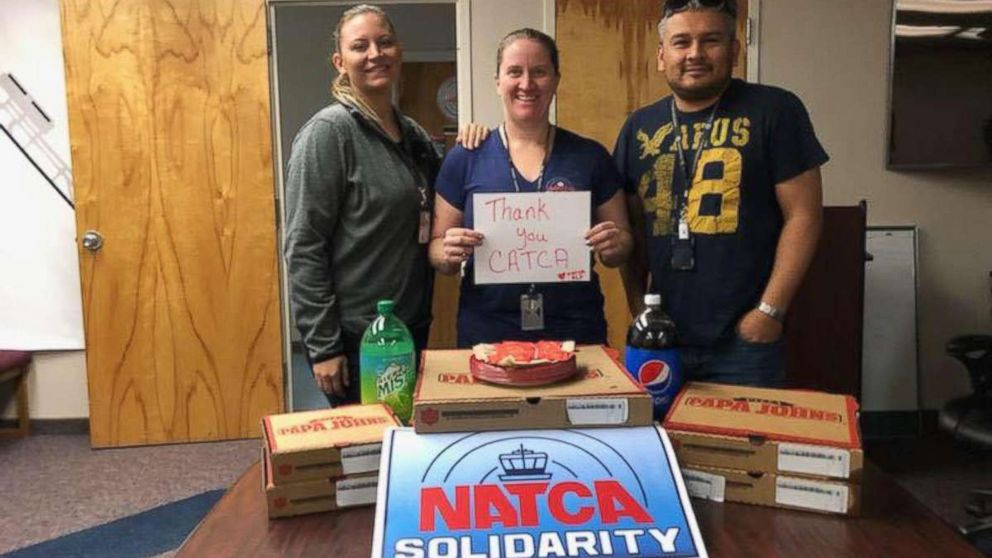 Air traffic controllers in El Paso, Texas were sent pizzas from their Canadian counterparts as part of a show of solidarity amid the ongoing U.S. government shutdown.