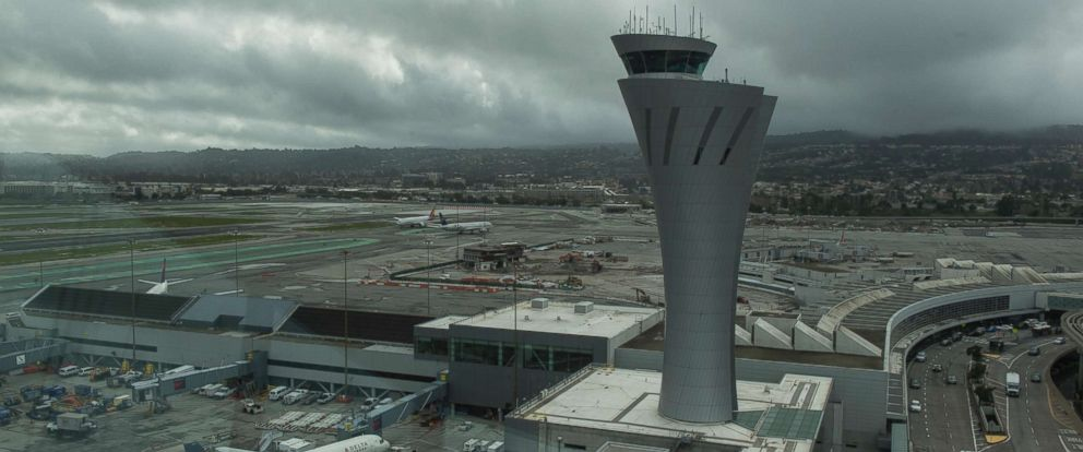 PHOTO: The air traffic control tower at San Francisco International Airport, Feb. 2017.