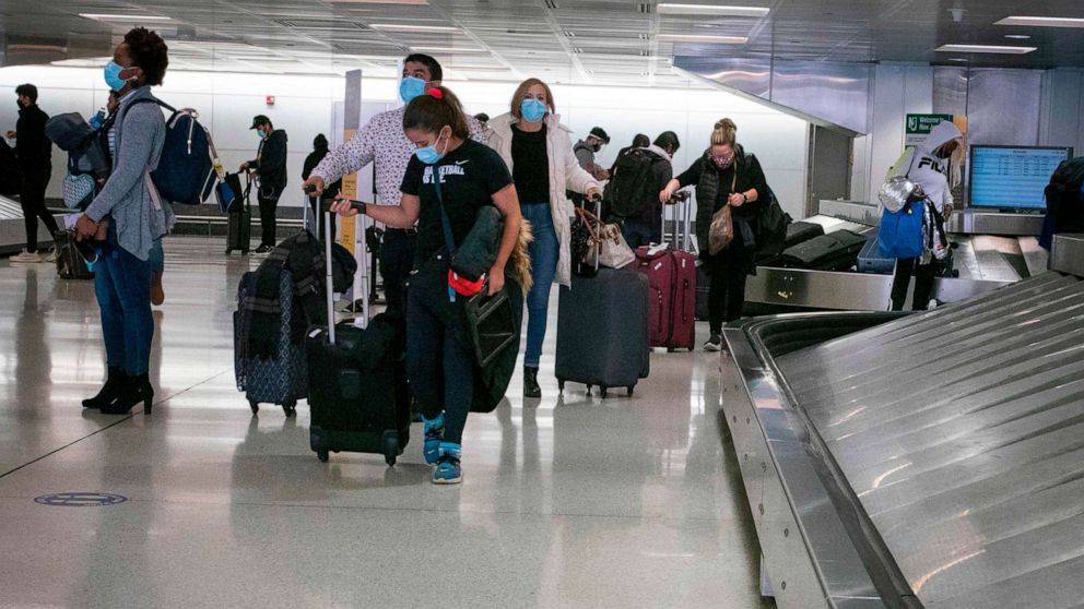 More than 1 million people traveled by plane in the US in one day, despite CDC COVID-19 guidelines