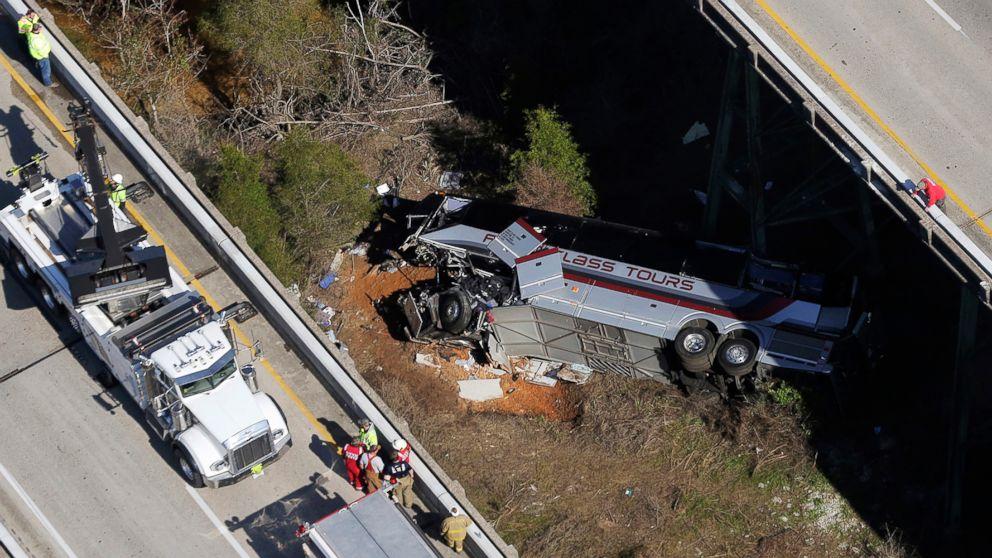 https://s.abcnews.com/images/US/alabama-bus-crash-04-ap-jrl-180313_16x9_992.jpg