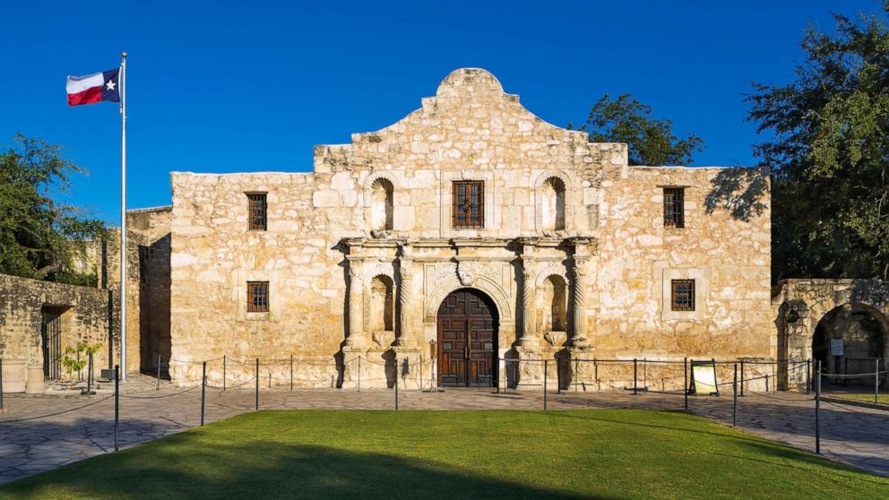 Alamo workers discover 3 bodies during restoration efforts ...